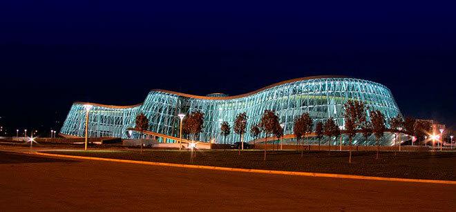 прозрачное здание мвд в тбилиси