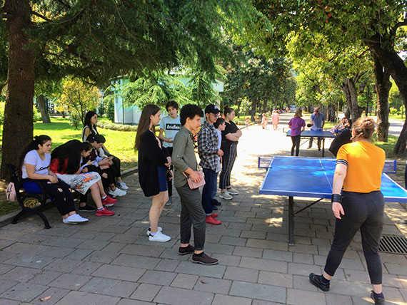 Дети играют в парке Батуми