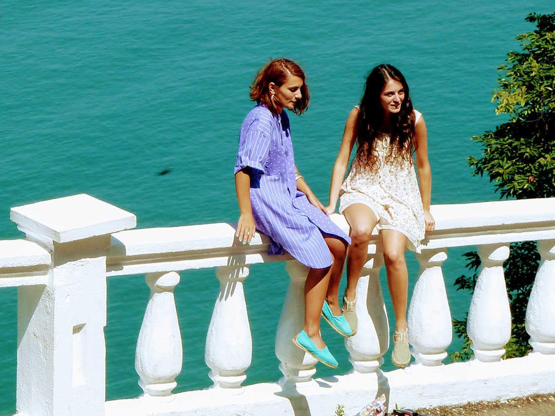 Девушки-грузинки в Ботаническом саду около Батуми