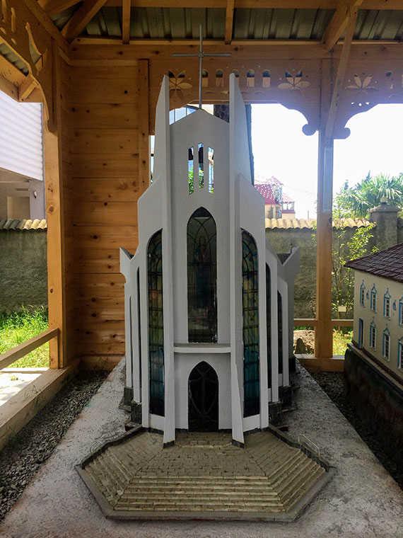 Католическая церковь Святого Духа макет в Батуми