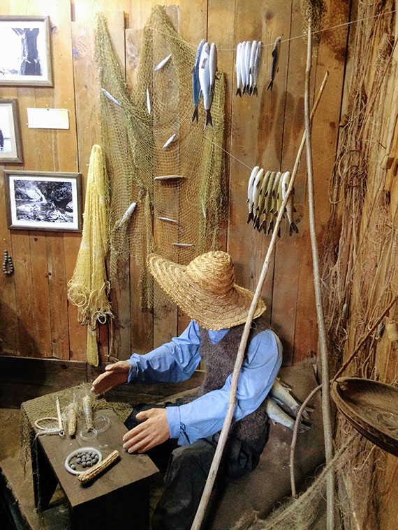 манекен рыбака в аджарском селе