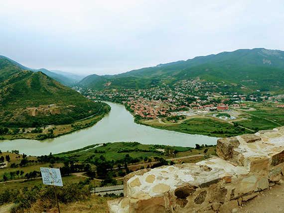 слияние рек у джвари монастыря