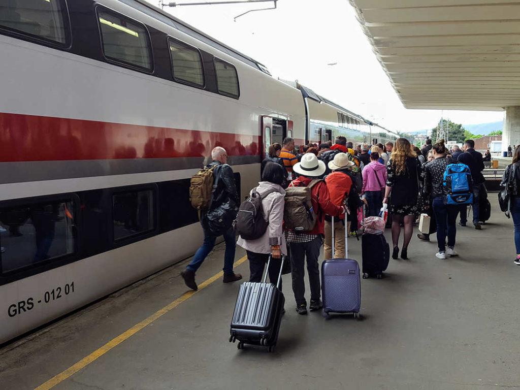 современный поезд тбилиси батуми